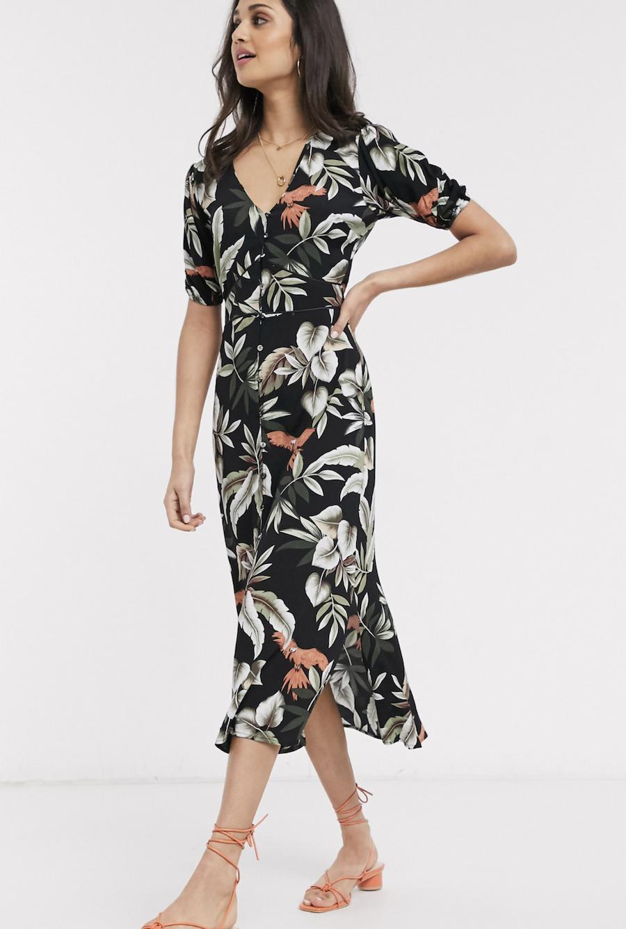 Vestido midi negro con manga tipo globo y estampado de hojas tropical de Oasis