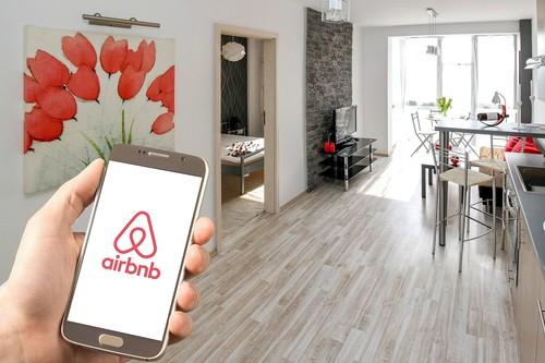 """Parecen departamentos en CDMX, se usan como hoteles y se disfrazan de Airbnb: el """"cáncer"""" de la plataforma está en sus propios usuarios"""