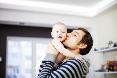 Una sentencia le permite retrasar su entrada al trabajo para llevar a su hijo a la guardería