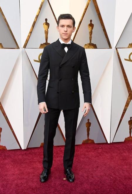 Tom Holland Apuesta Por Un Tuxedo En Clave Retro Para Su Look En Los Premios Oscar 2