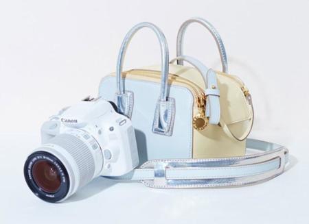 Stella McCartney rinde homenaje a su madre y al mundo de la fotografía diseñando un bolso para Canon