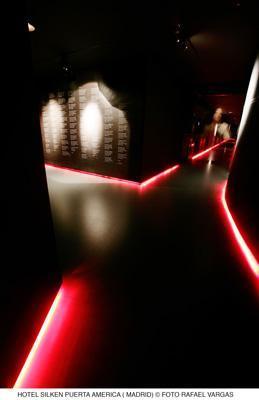 hotel puerta América - Jean Nouvel - pasillo