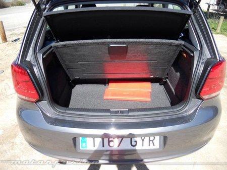 Volkswagen Polo interior 9