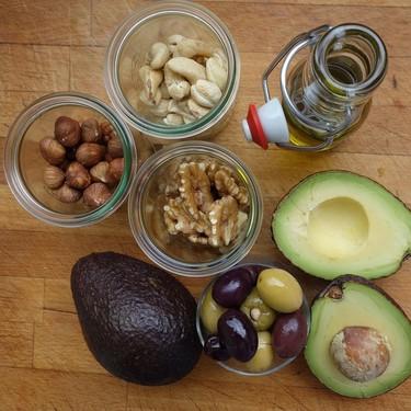 Nueve alimentos que son muy calóricos pero que pueden ayudarte a bajar de peso