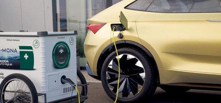 Skoda presenta E-mona, un servicio de recarga móvil para coches eléctricos