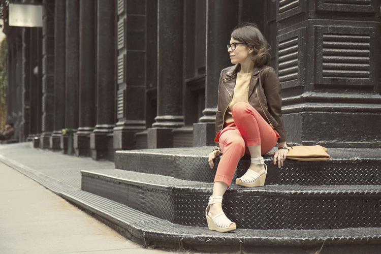 Foto de H&M sigue contando con las bloggers para su campaña de los zuecos de Swedish Hasbeens (10/20)