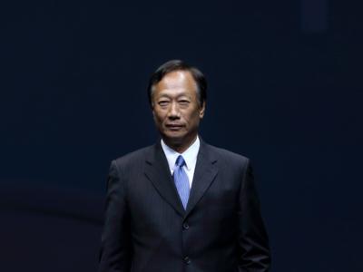 El CEO de Foxconn advierte, aún falta mucho para que comiencen a producir el iPhone en EEUU