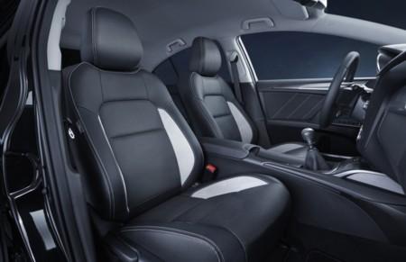 Toyota Avensis 2015 650 07