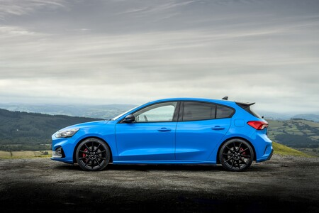 Ford Focus St Edition 2022 003