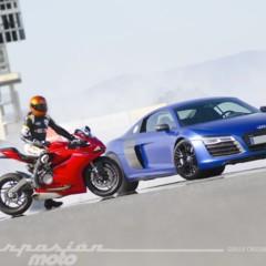 Foto 1 de 24 de la galería ducati-899-panigale-vs-audi-r8-v10-plus en Motorpasion Moto