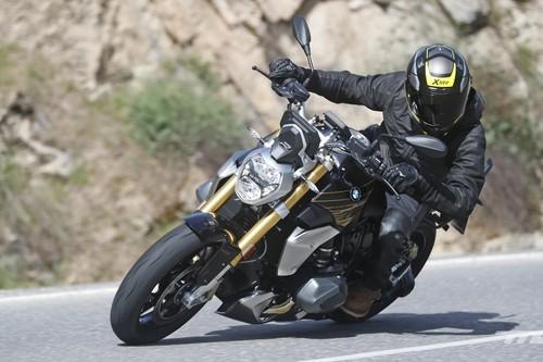Probamos la BMW R 1250 R 2019: la moto naked a la alemana ahora tiene 136 CV y más opciones de equipamiento