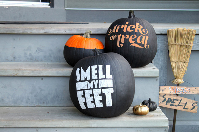 Una buena idea: pinta las calabazas de Halloween con pizarra y decóralas a tu gusto
