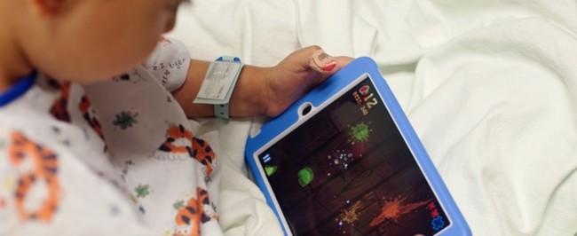 Un estudio demuestra que usar el iPad relaja a los niños que van a pasar por el quirófano
