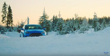 Snowkhana o cómo Papá Noel viene este año en un Ford Focus RS