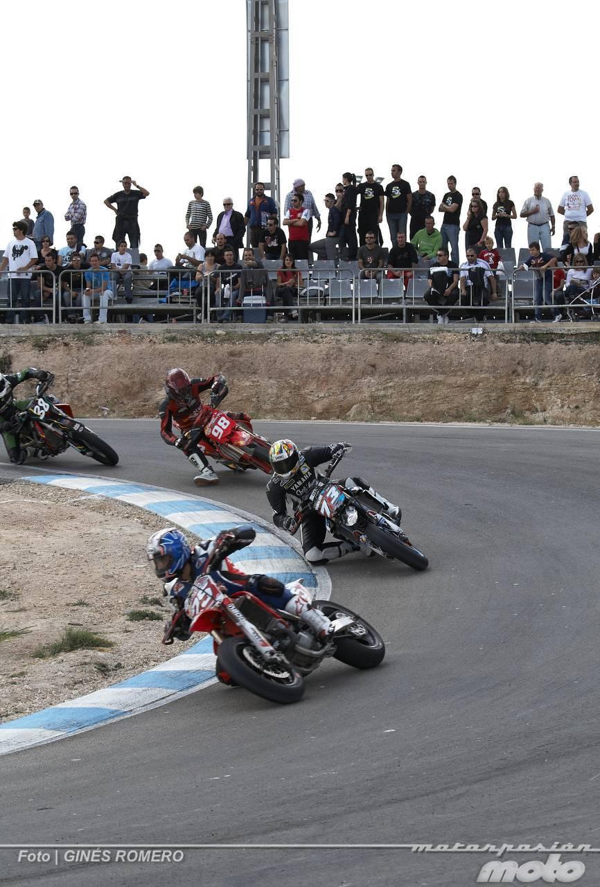 Foto de Albaída despide el Campeonato de España de Supermotard 2011 (38/63)