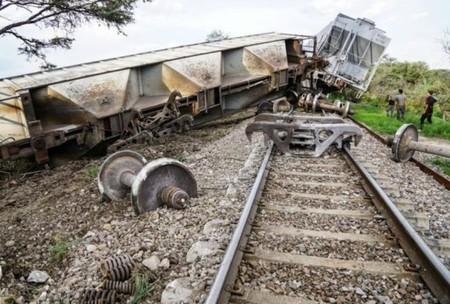 Tren Descarrilo Tarde Martes 696x470