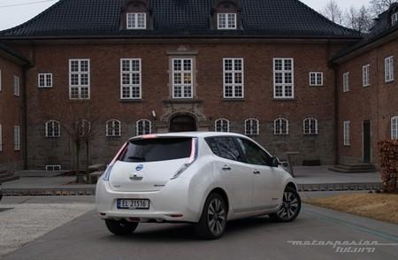 Nissan LEAF 2013 presentación en Oslo 03