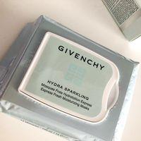 Las nuevas mascarillas Hydra Sparkling de Givenchy tienen un formato tipo toallita que es ultracómodo para las vacaciones