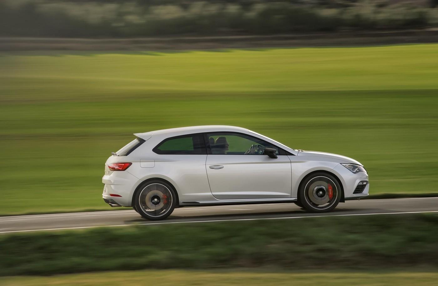 Foto de Honda Civic Type R v SEAT Leon Cupra v Ford Focus RS (15/17)