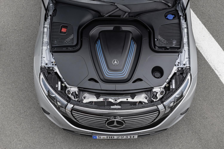 Foto de Mercedes-Benz EQC 2019 (70/74)