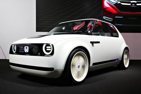 El Honda e será el primer coche eléctrico de Honda y ya tiene precio en Reino Unido: desde 29.200 euros