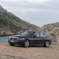 mercedes-c-250-bt-exclusive-line-cavansitblau