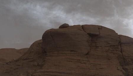 Los días nublados en Marte no son comunes: Curiosity capta unas extrañas nubes de colores en el cielo del planeta rojo