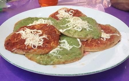 Gastronomia Puebla Alimentos Imperdibles Cocina Poblana Mexico Que Comer Chalupas