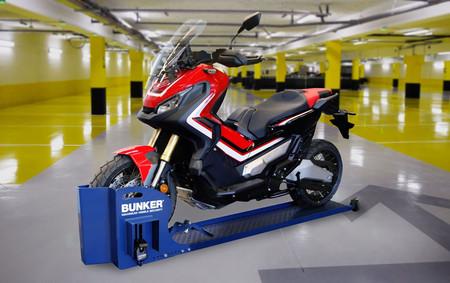 Este blindaje antirrobo se lo pondrá difícil a los ladrones de motos y está especialmente pensado para garajes comunitarios