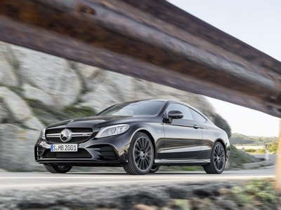 Los Mercedes-Benz Clase C Coupé y Cabriolet cambian sólo lo necesario para 2019
