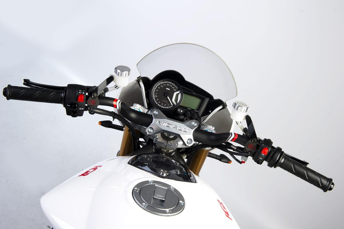 Foto de FGR Midalu V6, 2500 cc y 240 CV para una Naked (2/10)