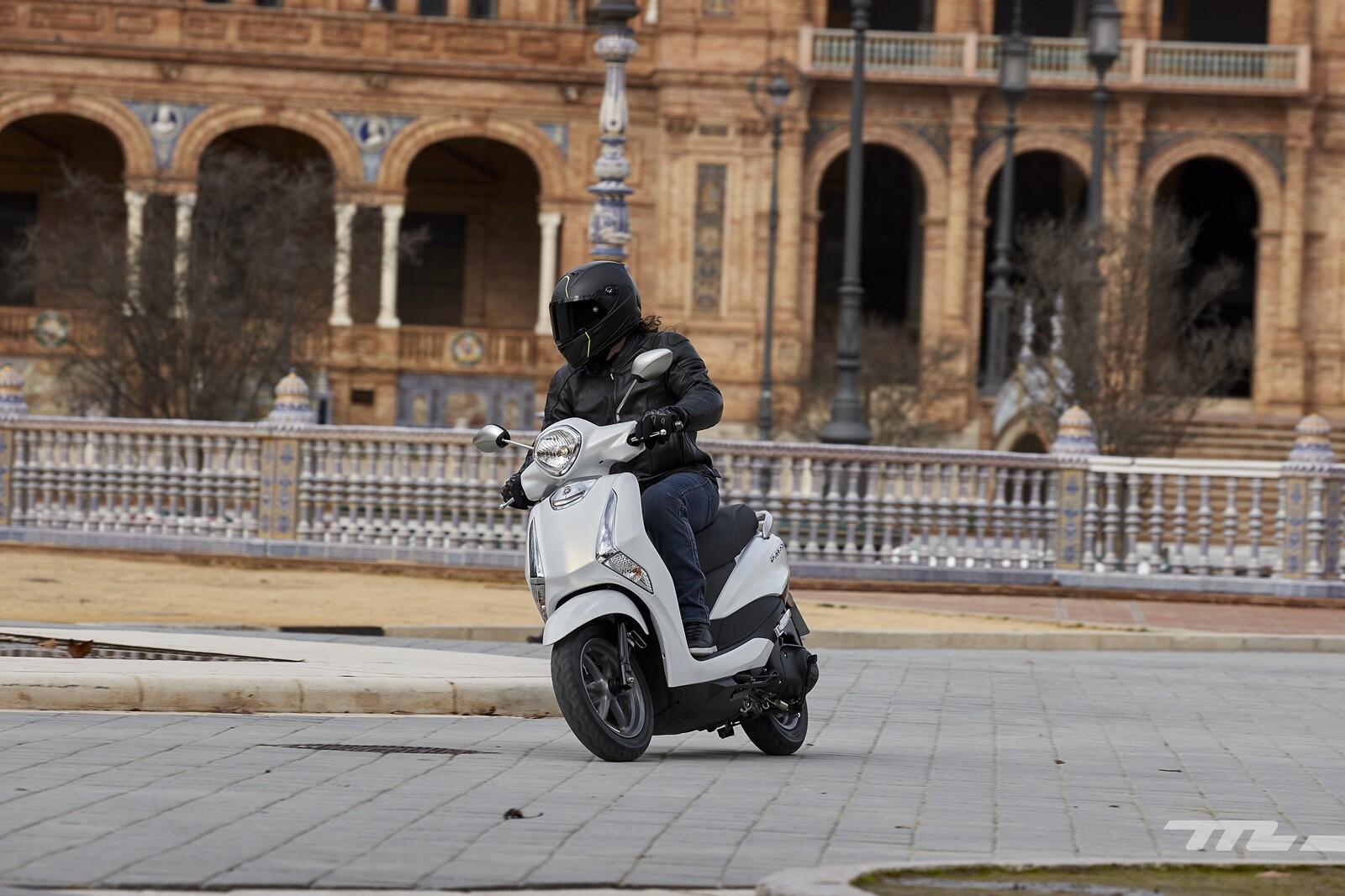 Foto de Yamaha D'elight 125 2021, prueba (21/34)