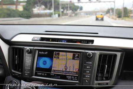 Toyota RAV4 2013, navegador GPS integrado