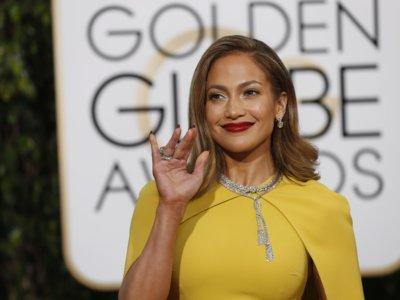 La Jennifer López más recatada y más guapa la vemos en los Globos de Oro 2016