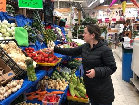 Fuimos con una chef a comprar ingredientes al mercado de Medellín para hacer cocina italiana