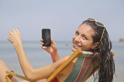 Si en verano no quieres desconectar del todo, estas playas con WiFi pueden ser perfectas para ti