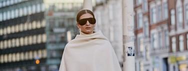 El abrigo capa es la manera más estilosa de no pasar frío este otoño