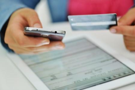 Estas son las razones por las que los colombianos prefieren las transacciones bancarias móviles