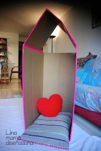 Haz una casita de juguete para tu hijo con una caja de cartón