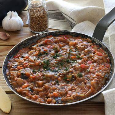 Caviar de berenjena: receta rusa de verduras para mojar pan sin parar