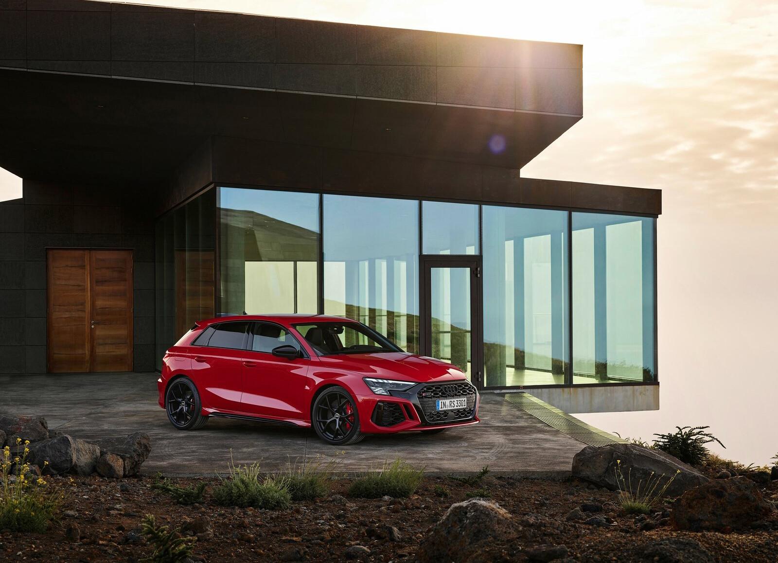 Foto de Audi RS 3 2022 (62/99)