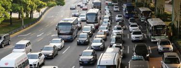 Vuelve el coche: su uso ya se está recuperando frente al hundimiento del transporte público