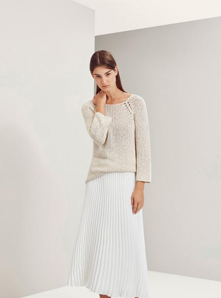 Trend alert  las 11 faldas plisadas que querrás en tu armario esta ... 636de942f186