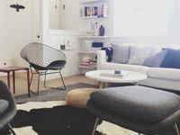 Un apartamento minimalista deliciosamente retratado con Instagram