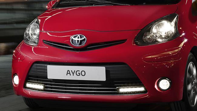 Foto de Toyota Aygo edición bicolor Rojo Frac (10/17)