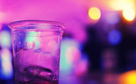 Dos estudiantes en México se intoxicaron con jarabe para la tos: no replicaron la 'Llamarada Moe' sino un 'Purple Drank'