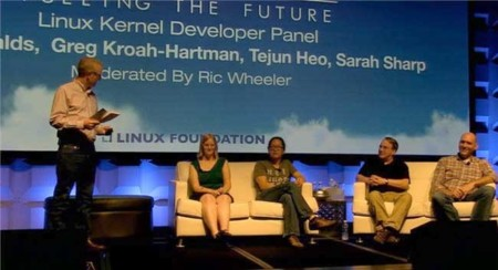 Linus Torvalds bromea sobre su candidatura a CEO de Microsoft y sobre las presiones de la NSA