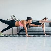 Tres ejercicios para entrenar nuestros abdominales en casa sin necesidad de material