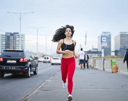Las mejores ofertas en ropa deportiva de running en el El Corte Inglés: 20% de descuento en marcas como Champion, Puma, Boomerang o Joma