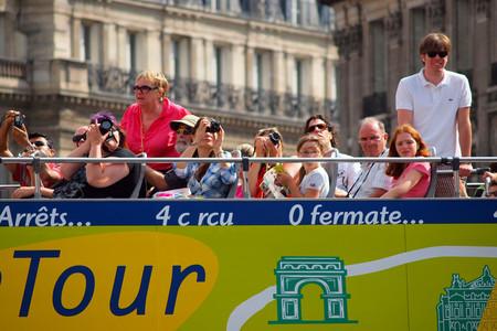 En su guerra contra el turismo masivo, París ha encontrado un nuevo objetivo: los autobuses